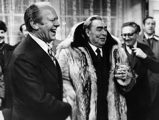 Задачка: Как играть Брежнева не картавя?